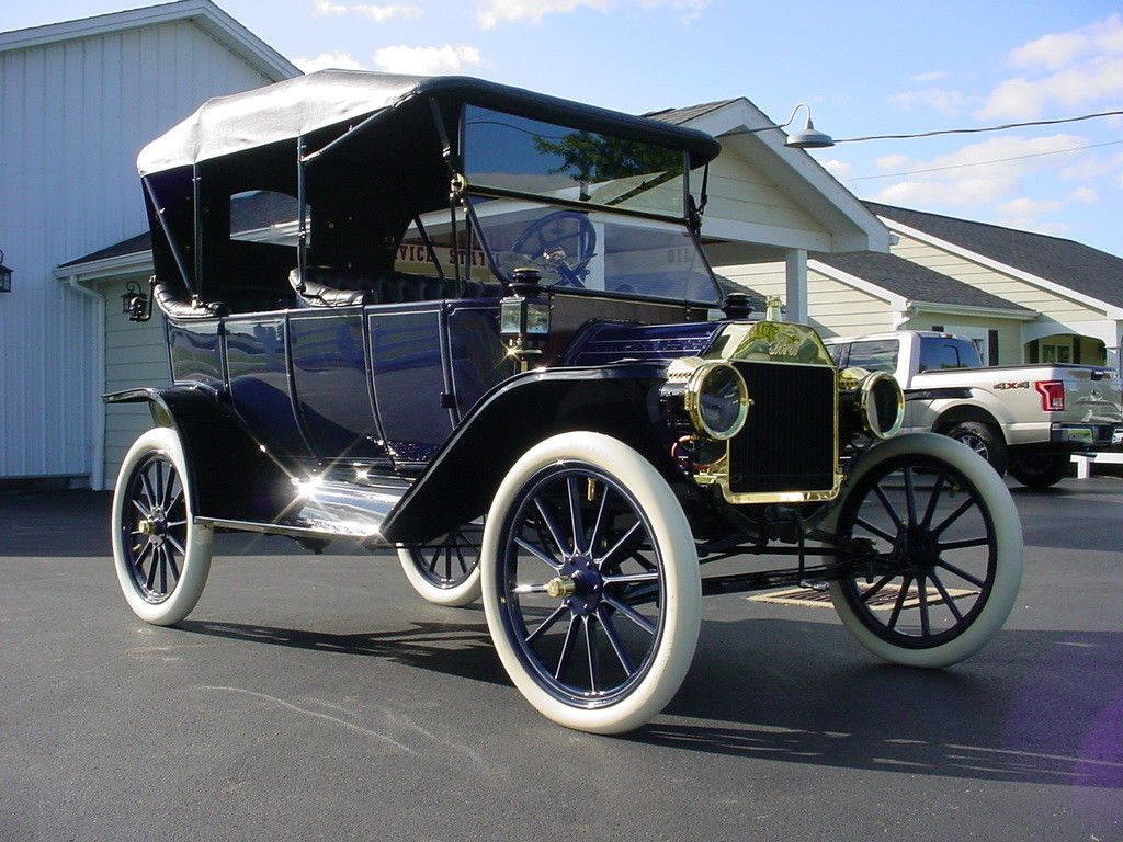 Beautifully Restored 1913 Ford Model T Touring Car